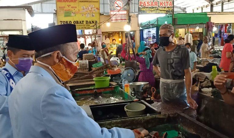 Camat Banjarmasin Selatan Himbau Pedagang Pasar Pakai Masker