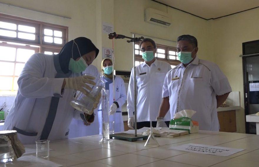 Wali Kota tinjau pembuatan hand sanitizer