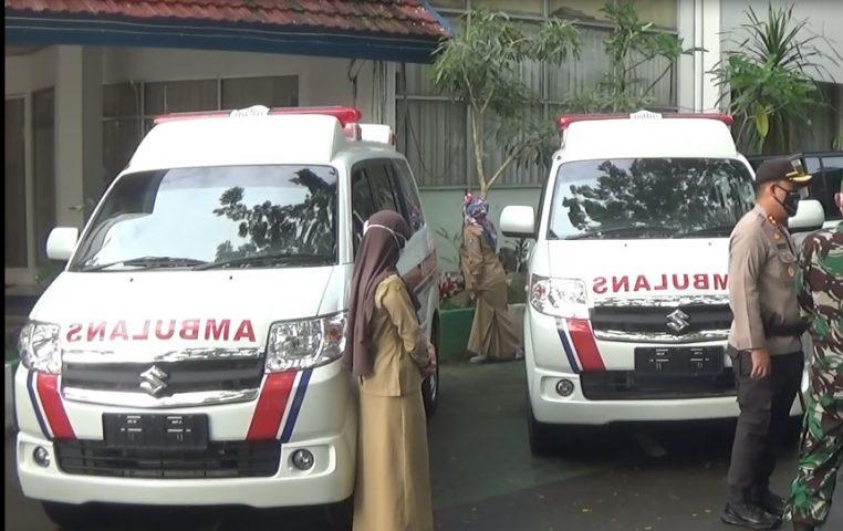Bupati HSS Serahkan 2 Unit Ambulan