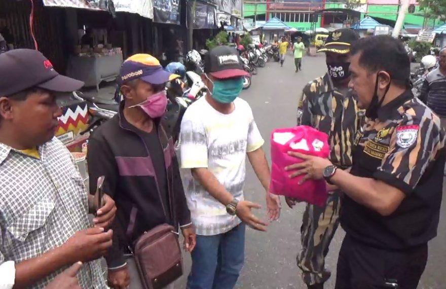 DPD Pekat Indonesia Bersatu Kota Banjarmasin Bagikan Sembako