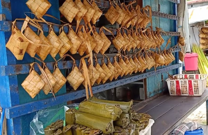 Dampak Covid-19 Penjualan ketupat menurun