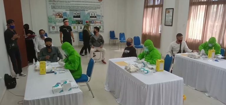Petugas PPK dan PPS se-kota Banjarmasin Laksanakan Rappid Test