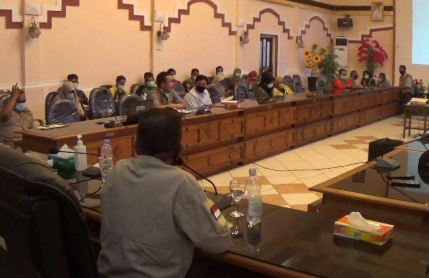 Proses Rapat Provinsi Ambil Alih Penanganan Covid-19 di Kotabaru