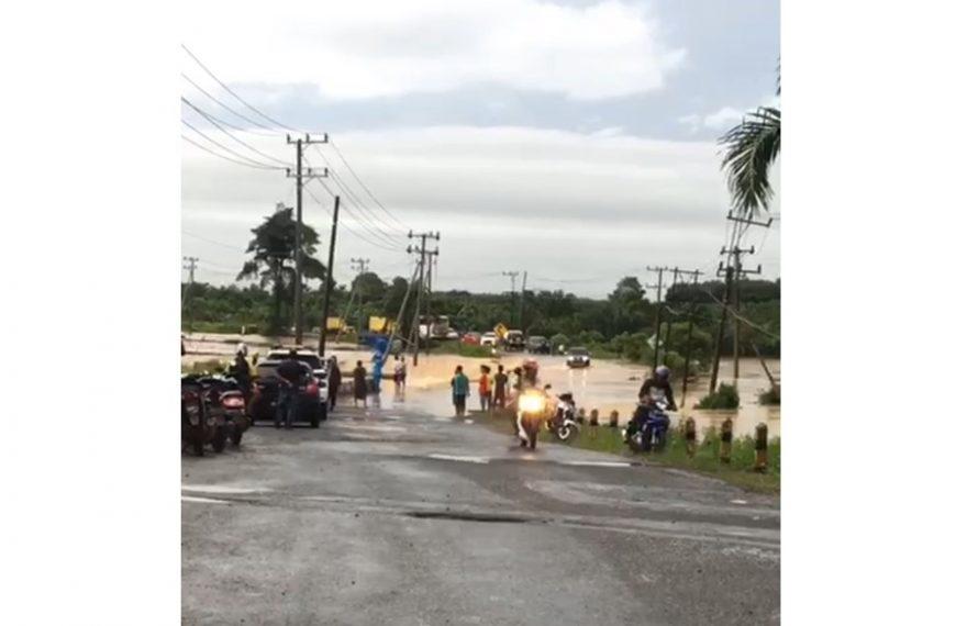 sebagian wilayah Tanah Bumbu terendam