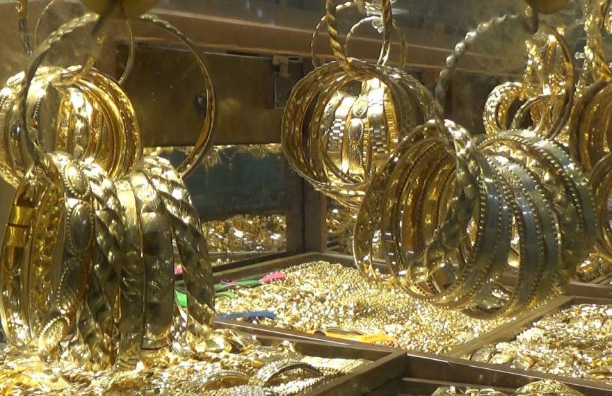 harga emas diperkirakan akan terus naik