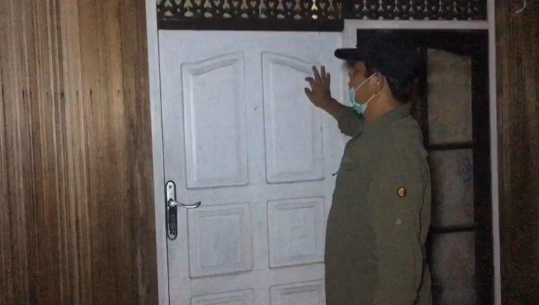 paman birin mengetuk pintu