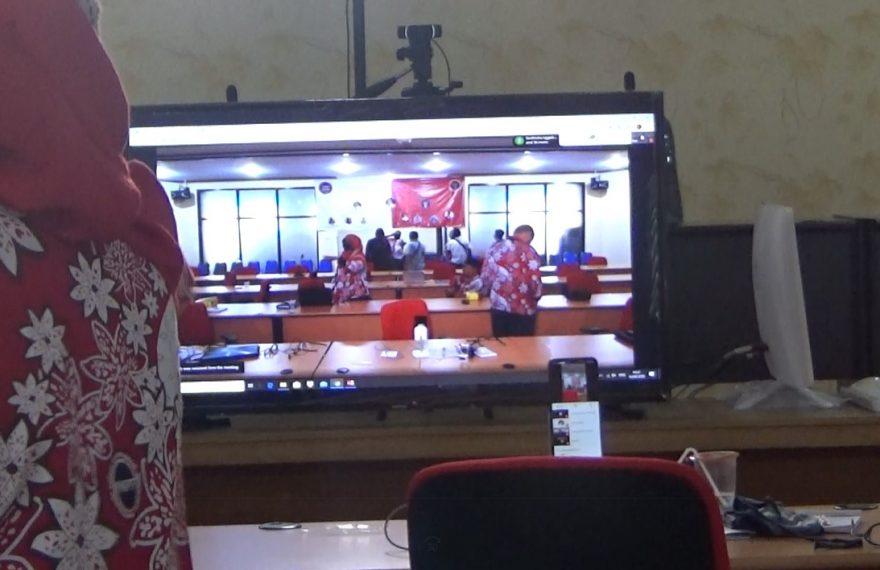 persiapan rapat virtual yang digelar
