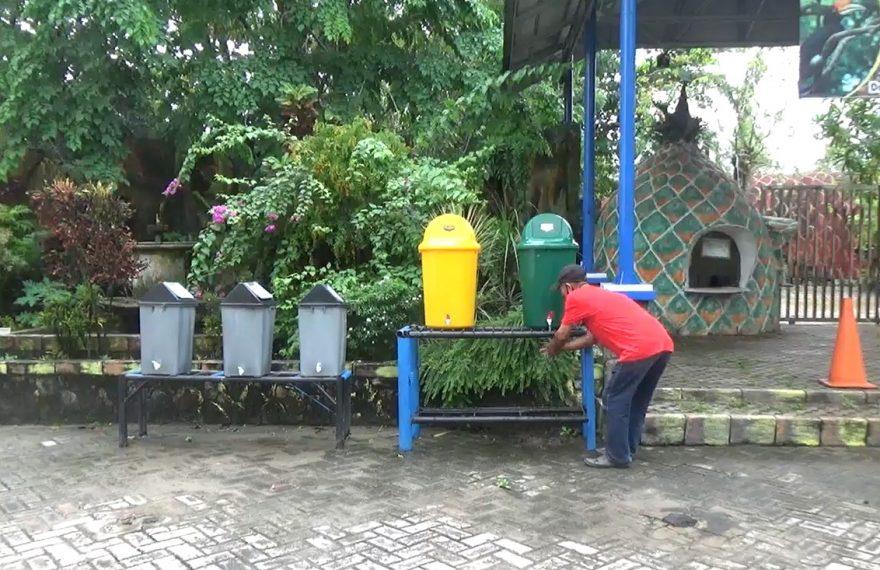 taman satwa jahri saleh menempatkan tempat cuci tangan