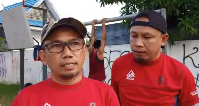 Bandi Chairullah,(kiri) Ketua Harian FPTI Kalimantan Selatan