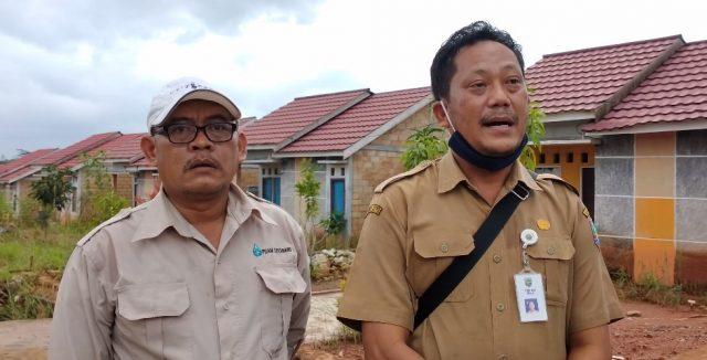 Basuki (kanan) Dewan Pengawas PDAM Kotabaru