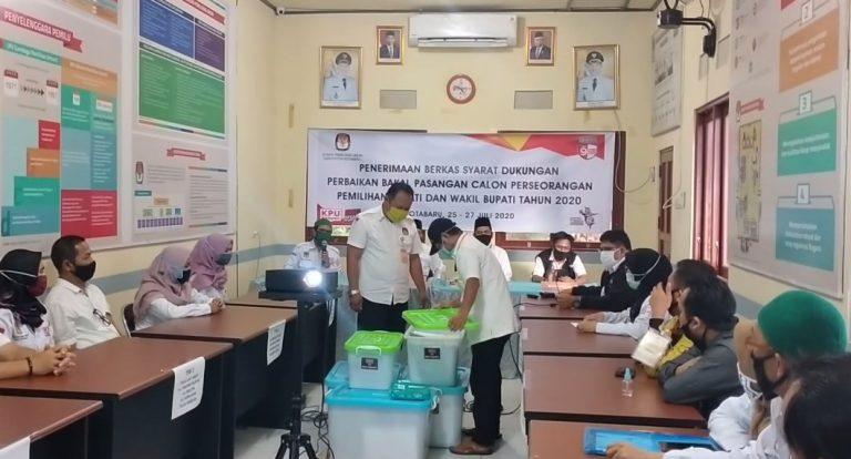 Burhanudin, menyerahkan berkas syarat dukungan perbaikan ke KPU