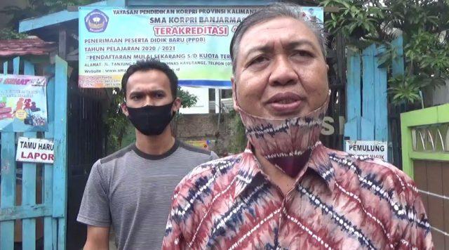 Drs. H. M. Riduansyah, Kepsek SMA KORPRI Banjarmasin.