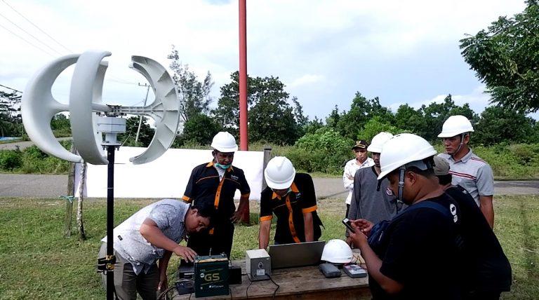 Politeknik Negeri Banjarmasin Kembangkan Pembangkit Listrik Hybrid Surya & Angin