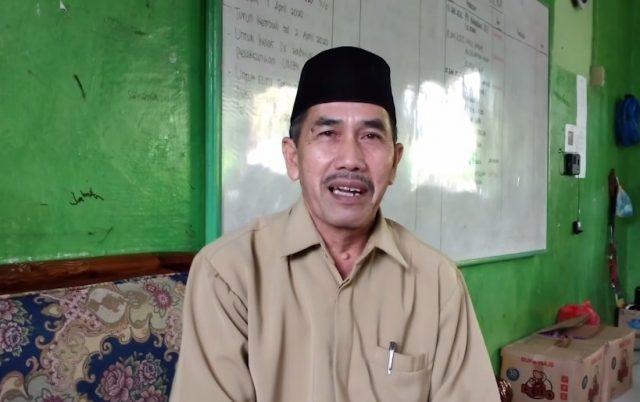 kepala MTS Darul Ulum Midhan