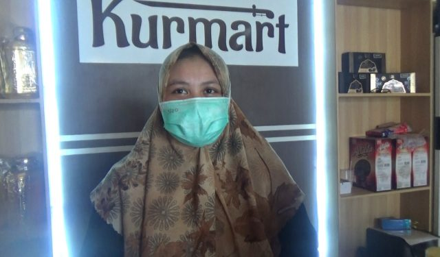 Lia, karyawan Kurmart