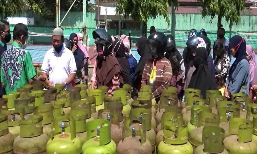 Dinas Perdagangan menggelar operasi pasar murah gas elpiji 3 kilogram