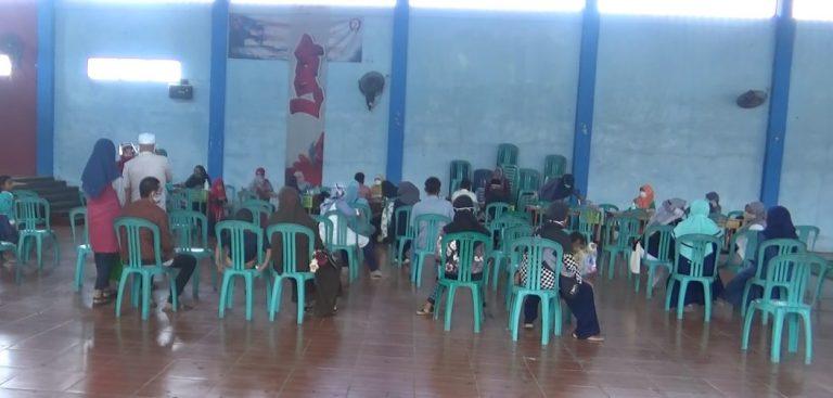 orang tua dan calon siswa Daftar Ulang di SMKN 3 Banjarmasin