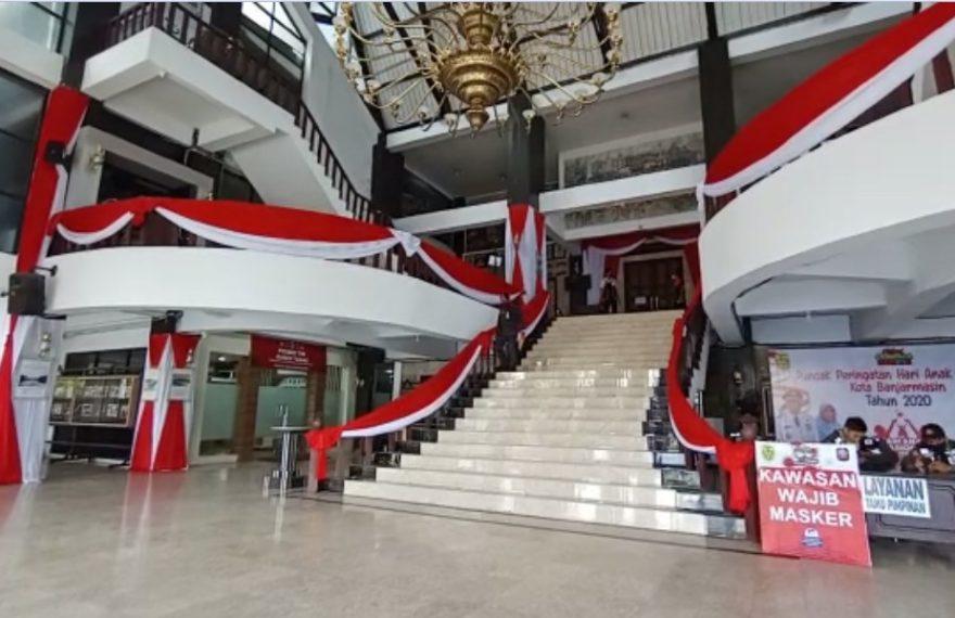 Balaikota Banjarmasin Berhias Bandera Merah Putih