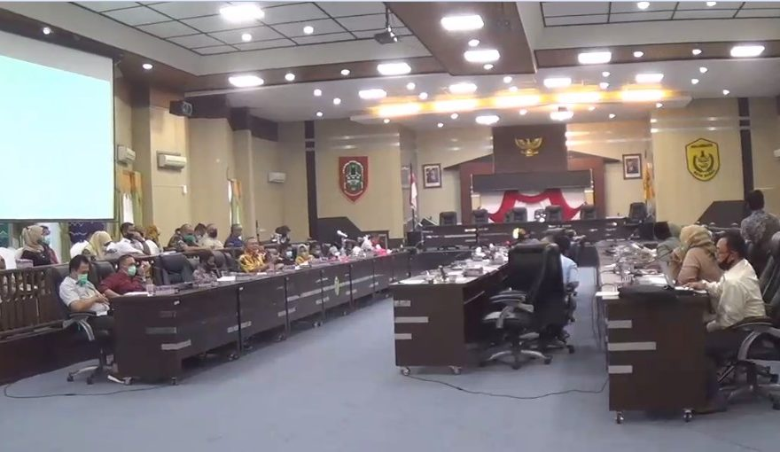 DPRD Banjarmasin Menambah Anggaran DPMPTSP Kota Banjarmasin.