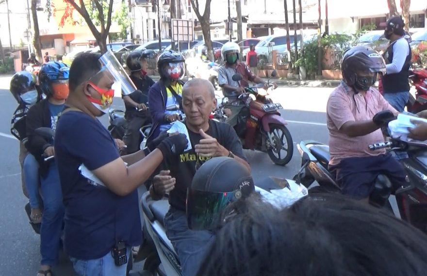 FDO bagi-bagi masker di sekitaran Pangeran Samudera