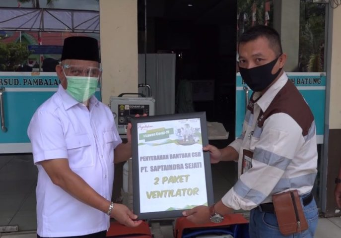 PT. Adaro Indonesia Berikan Bantuan Alat Ventilator ke Bupati HSU