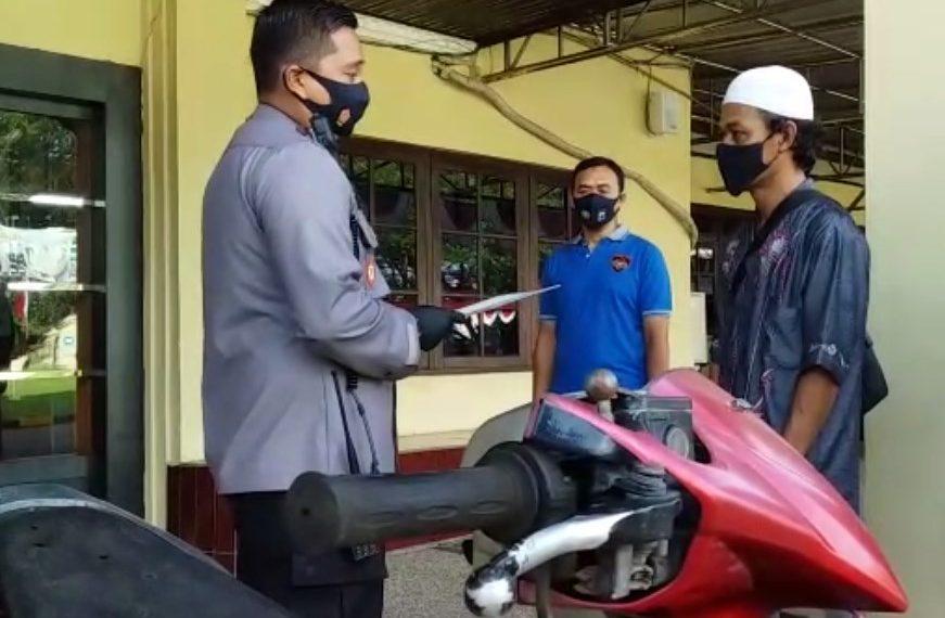 Polres Banjar menyerahkan 1 unit sepeda motor barang curian