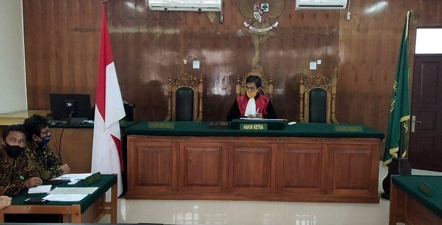 Proses Persidangan yang di Pimpin hakim tunggal Sutisna Sawasti