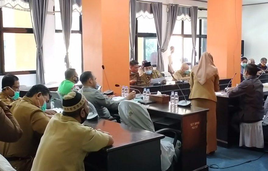 Rapat DPRD Kotabaru Membahas Tentang Hutang Proyek