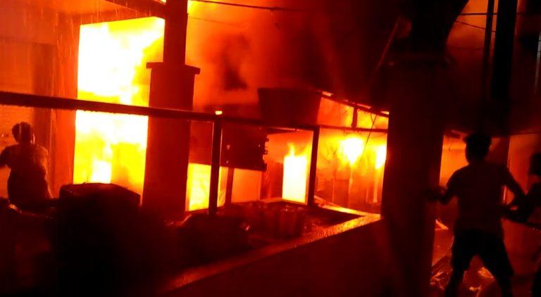 Terjadi Kebakaran di Pasar Los Batu Kandangan