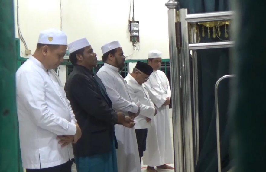 AHM ziarah ke makam Habib Hamid bin Abbas Hamid Bahasyim