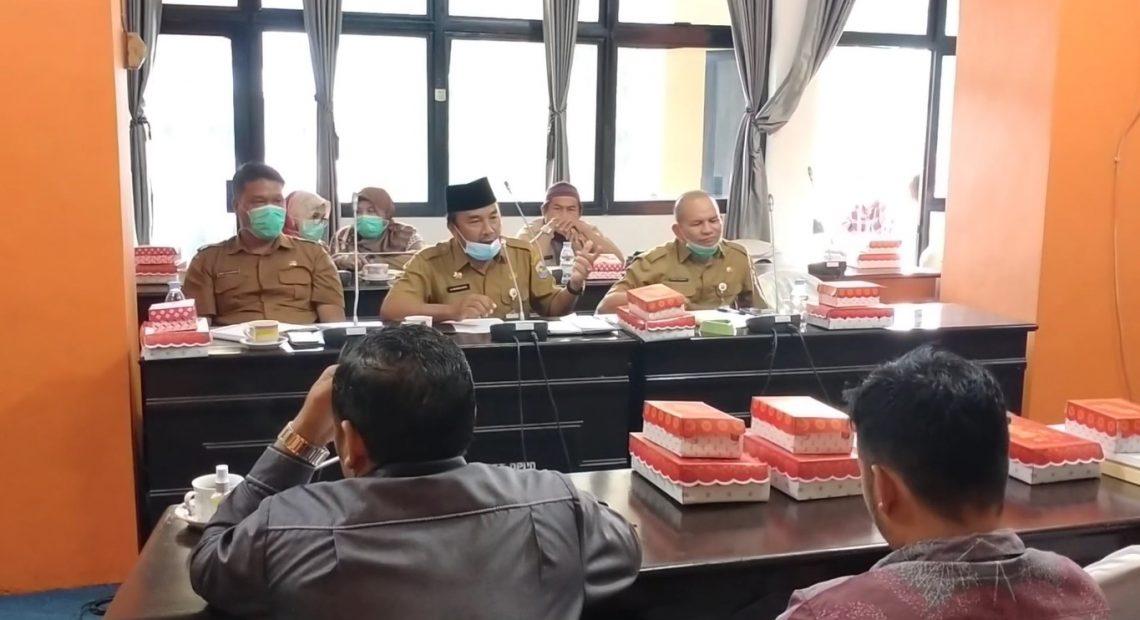 rapat DPRD Kotabaru