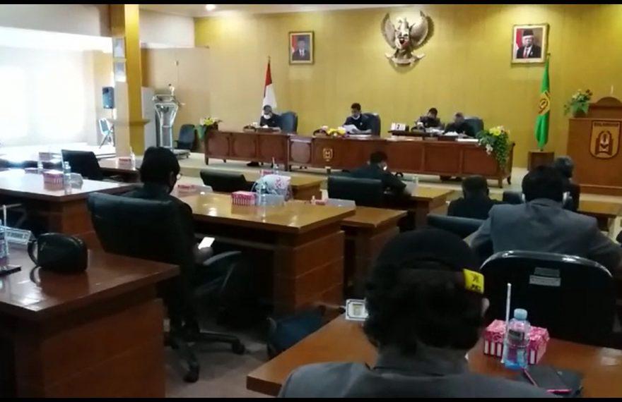 rapat paripurna DPRD Banjarbaru