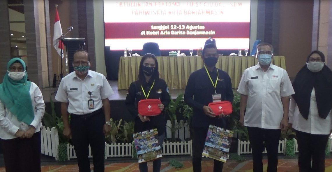 training dan sertifikasi first aid atau pertolongan pertama dari Dinas Kebudayaan dan Pariwisata Kota Banjarmasin