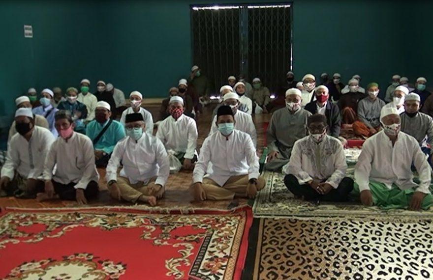 Haris-ilham Bersama Guru Pondok Pesantren
