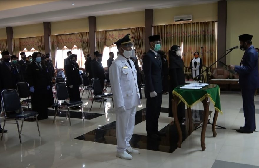 Pelantikan 98 pejabat administrator Pemkab Tala