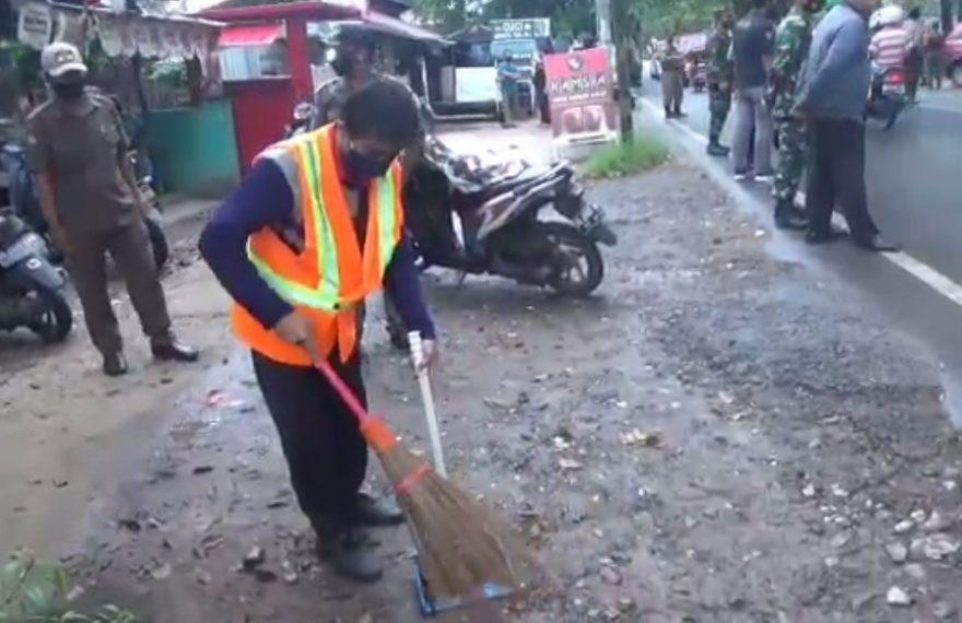 Razia Masker di Jalan Pramuka