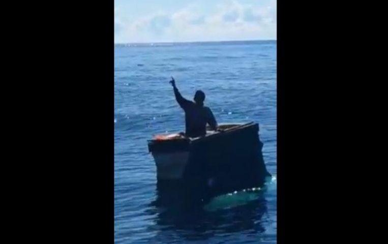Kapal Tenggelam, Hamade Bertahan Lima Hari di Laut Dengan Boks Ikan