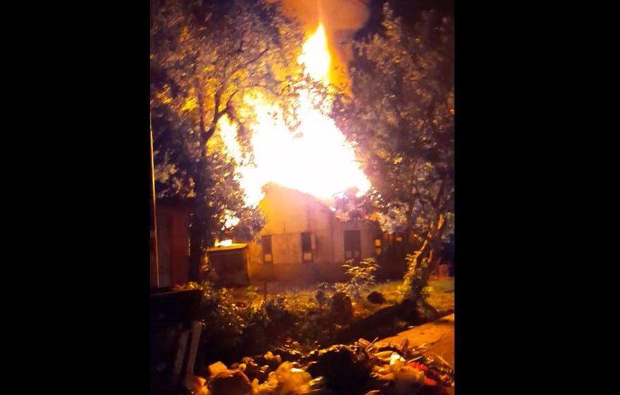 kebakaran rumah tua