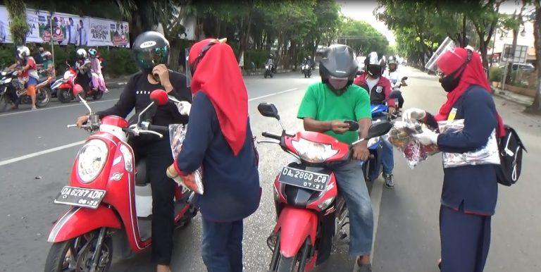Alumni Mahasiswa Malang Bagikan Belasan Ribu Masker