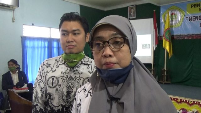 Dr H Dina Huriaty, Ketua STKIP PGRI Banjarmasin
