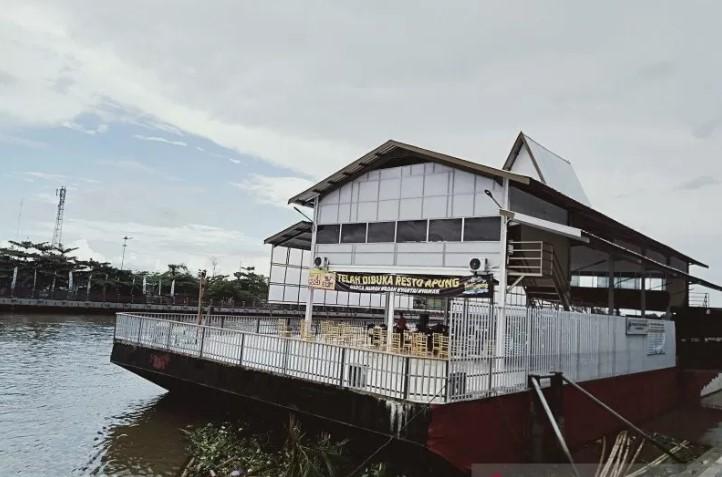 Peresmian restoran terapung di Banjarmasin.(Antaranews Kalsel/Sukarli)
