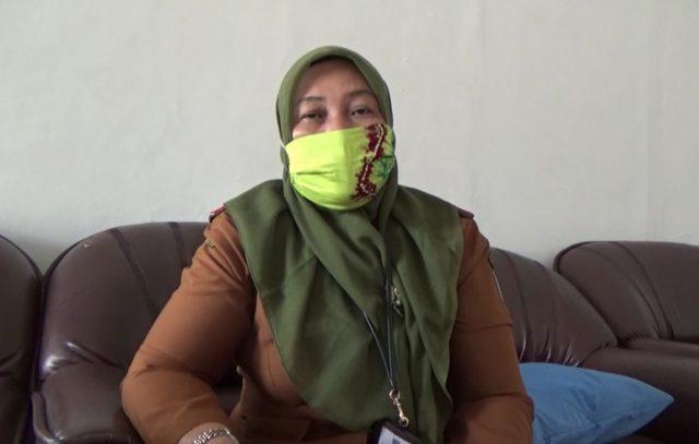 Siti Erma, kepala Dinas Pendidikan kabupaten Hulu Sungai Selatan