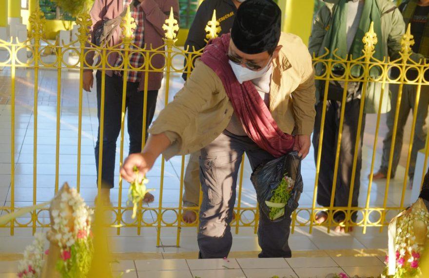 Paman berziarah ke makam Pangeran Antasari