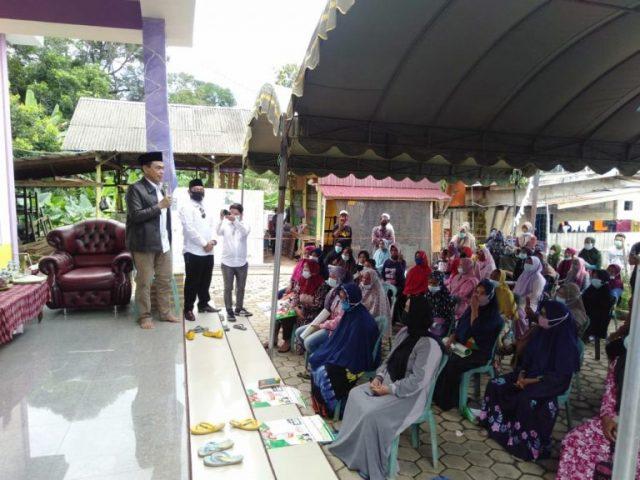 Warga Sampaikan Harapannya Secara Tertulis Ke dr HM Zairullah Azhar