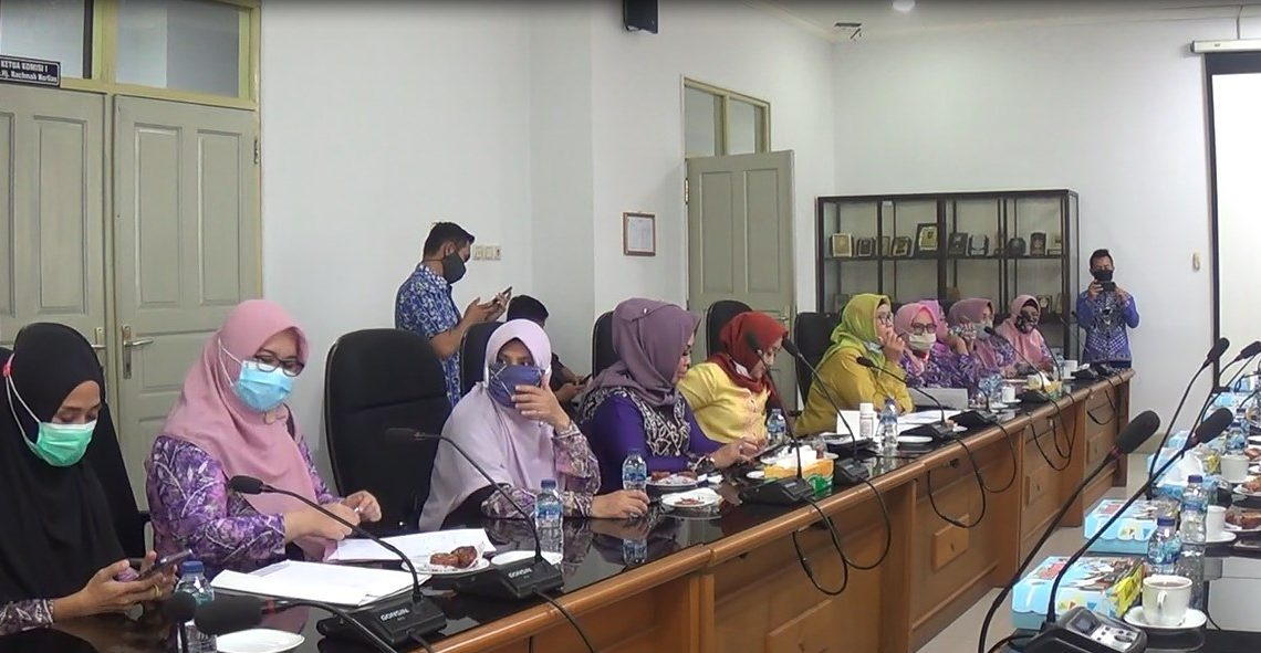 Wanita Parlemen Kalteng, melakukan studi banding ke KPPI Kalsel
