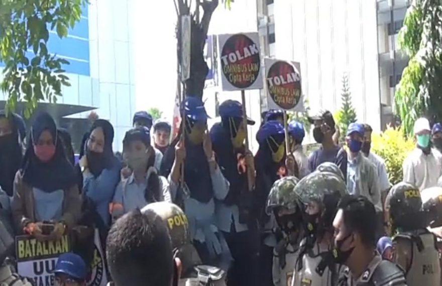 Aksi Demo Didominasi Buruh Perempuan