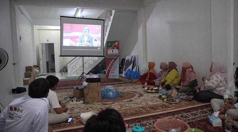 Relawan Haris-Ilham Nonton Bareng Debat di Sekber