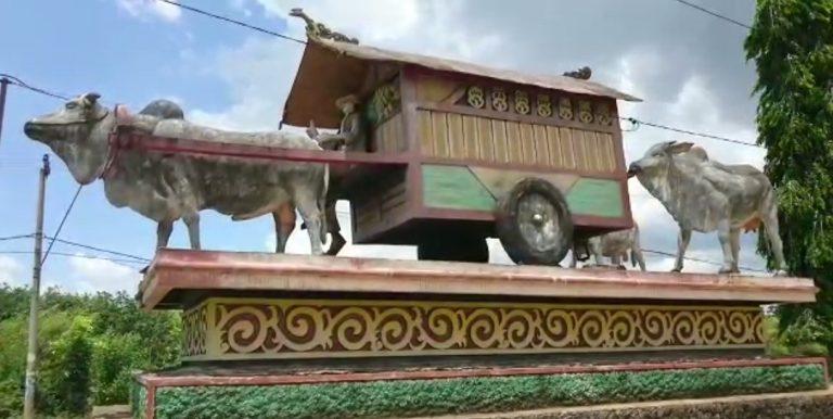 patung gerobak sapi