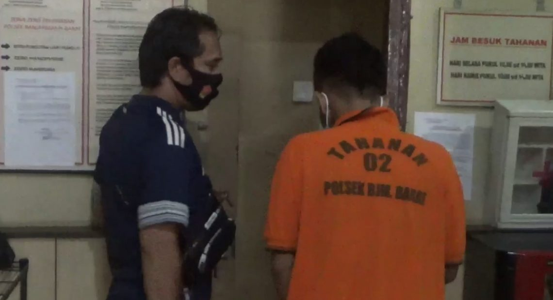 pelaku ditahan di Polsek Banjarmasin Barat