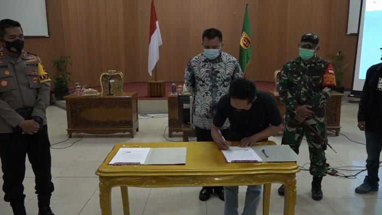Pjs Wali Kota Banjarbaru Sosialisasikan Perda Prokes ke PKL Murjani